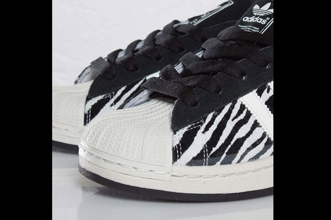 Adidas Originals Superstar 2 Zebra Toe 1