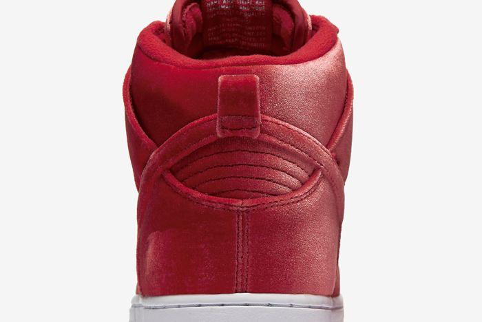 Nike Sb Dunk High Santa 3