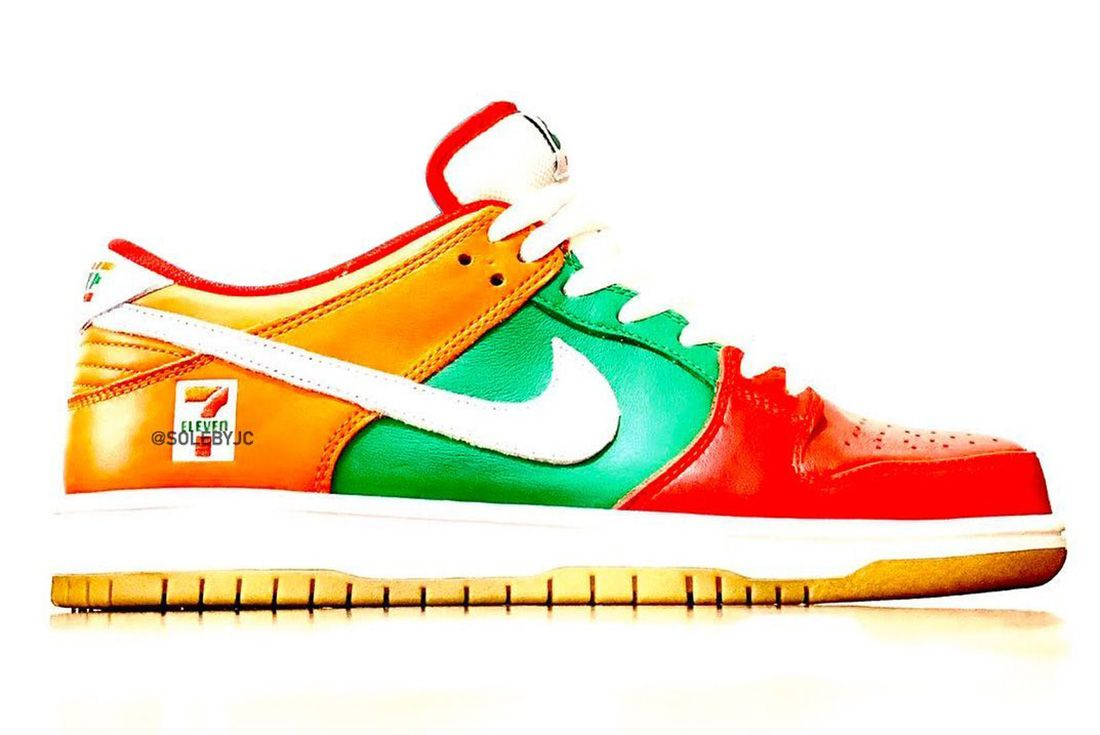 7-Eleven x Nike SB Dunk Low Lateral Leak