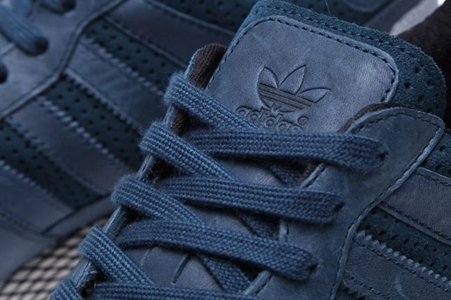 Adidas Originals Zx 700 Gum And Perf Pack Navy Tongue Detail 1