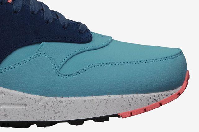 Nike Air Max 1 Split Pack Brave Blue Atomic Pink 1