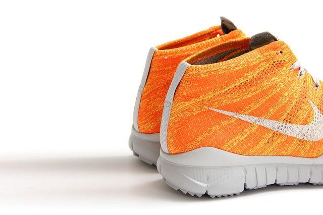 Nike Flyknit Trainer Chukka Fsb Total Orange 2