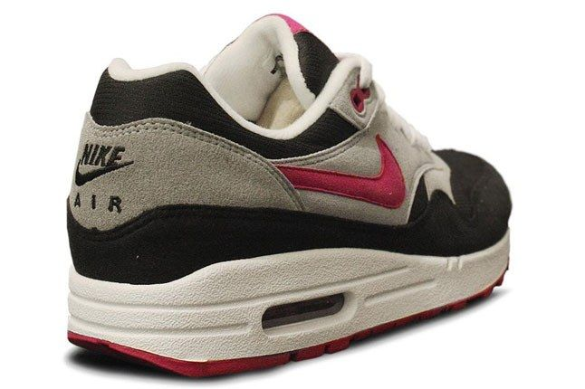 Nike Air Max Pomegranate Heel 1