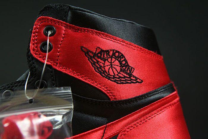 Air Jordan 1 Satin Bred 6