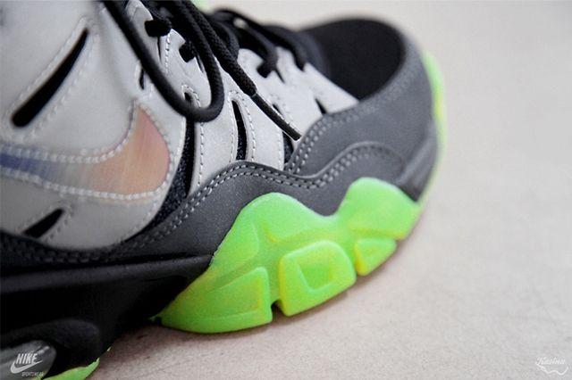 Ea Sports X Nike Air Trainer Max Detail