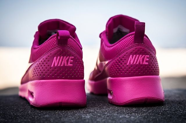 Nike Amthea Fireberry 1