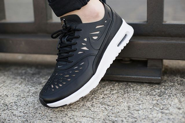 Nike Air Max Thea Joli Bump 2