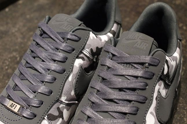 Nike Air Force Downtown Camo Laces 1