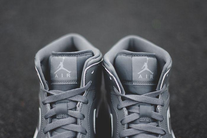 Air Jordan 1 Cool Grey Clay Grey 4