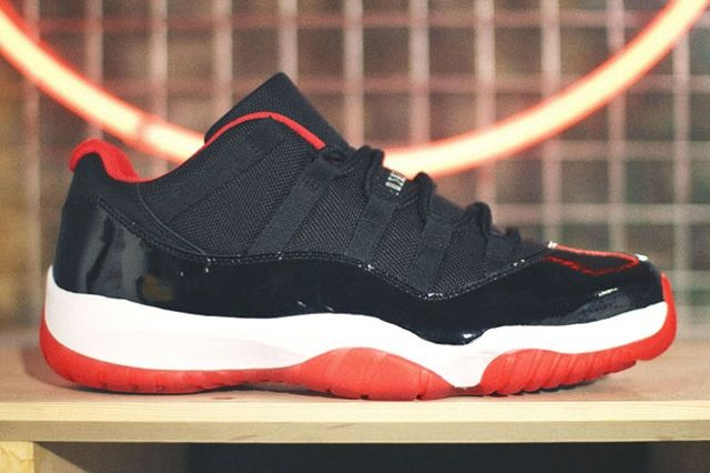 Air Jordan 11 Low Bred