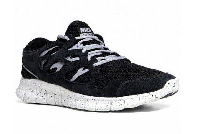 Nike Free Run 2 Oreo Side 1