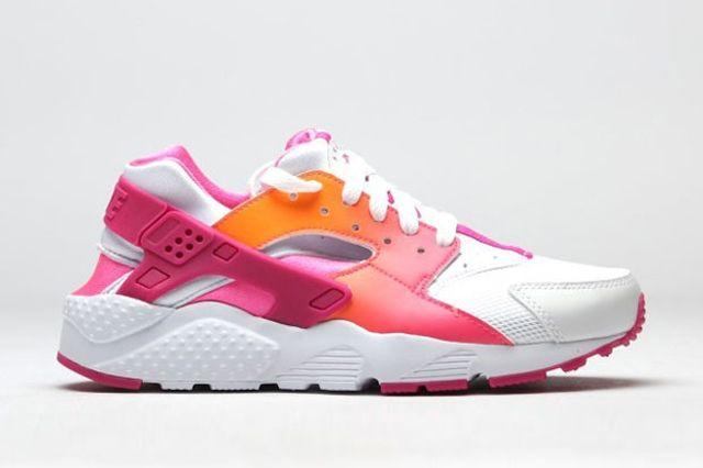 Nike Air Huarache Vivid Pink 3