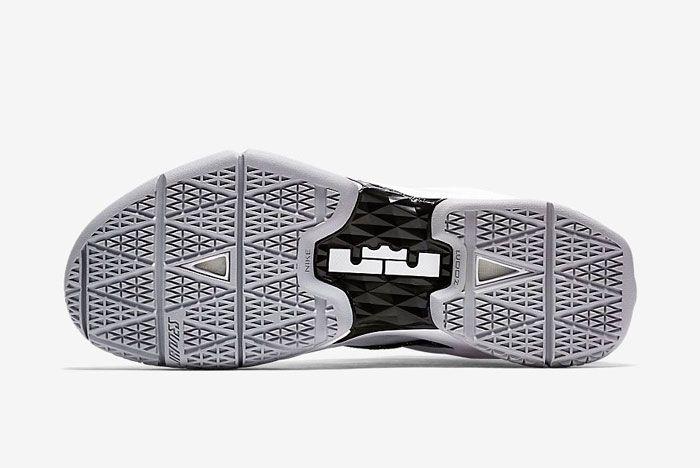 Nike Lebron Ambassador 8 White Black Gold 6