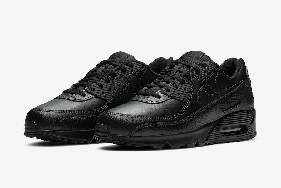 Nike Air Max 90 Triple Black Angled