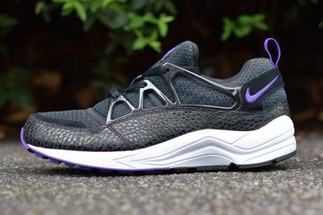 Nike Air Huarache Light Safari 02 570X381