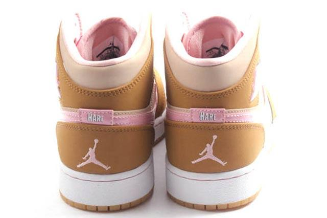 Air Jordan 1 Retro Lola Bunny 3
