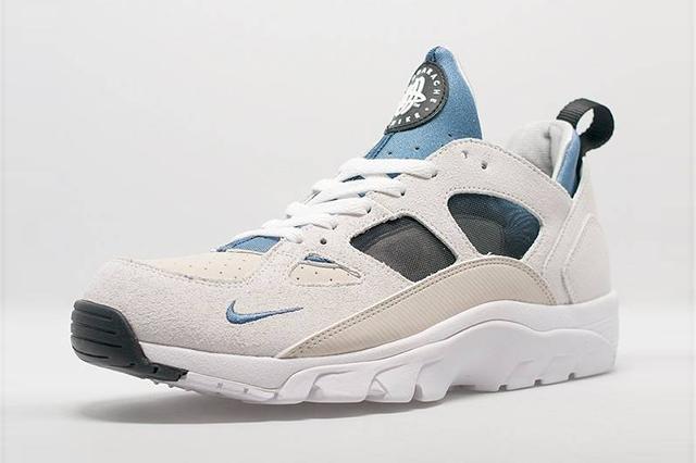 Nike Air Trainer Huarache Low Cream Blue 1