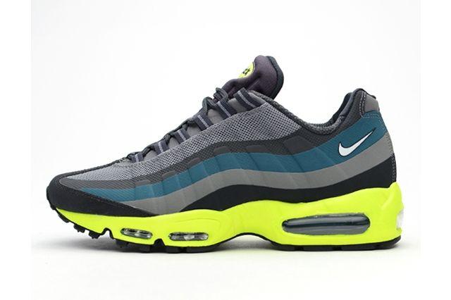 Nike Air Max 95 Medium Base Grey Volt 3