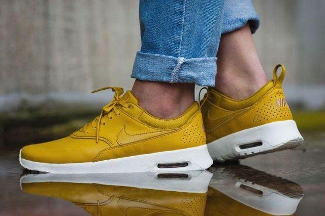 Nike Air Max Thea Golden 4