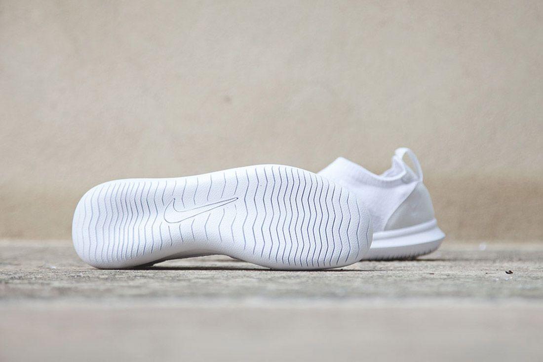 Nike Gakou Flyknit Triple Black White 5