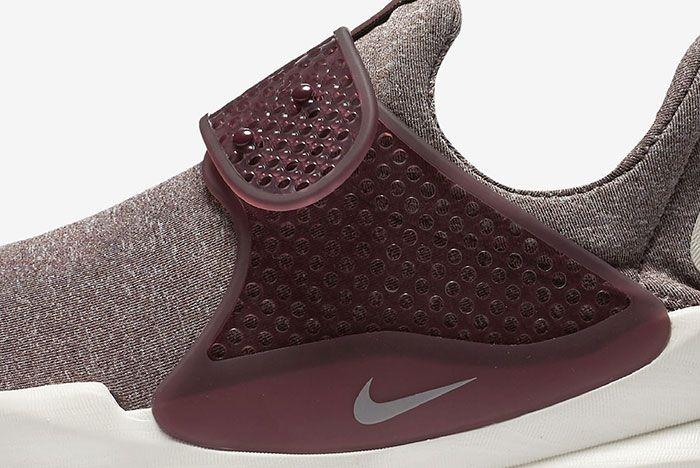 Nike Sock Dart Wmns Midnight Maroon 7