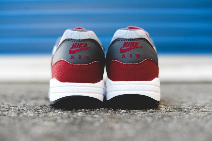 Nike Am1 Wolf Greygym Red 5