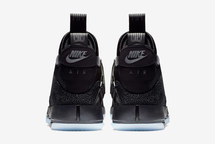 Air Jordan 33 Utility Blackout 5