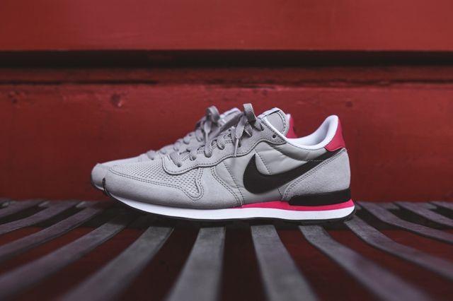 Nike Internationlist Neutral Grey Infrared 4