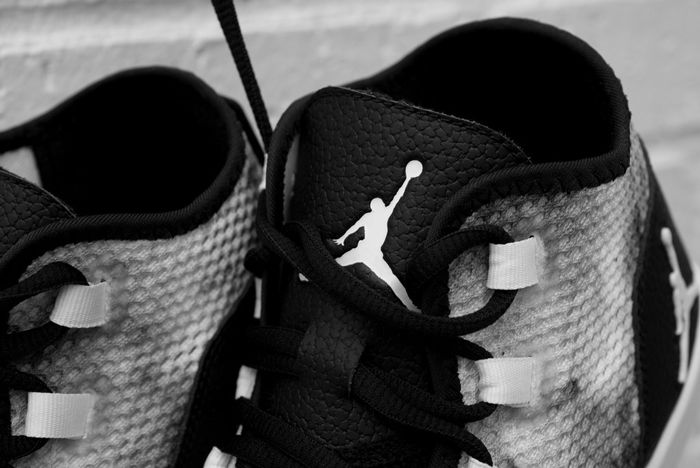 Air Jordan Reveal Premium Smoke6