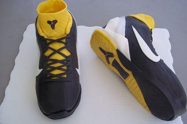 Sneaker Freaker Sneaker Cakes Kobe 7 Supreme 01 1