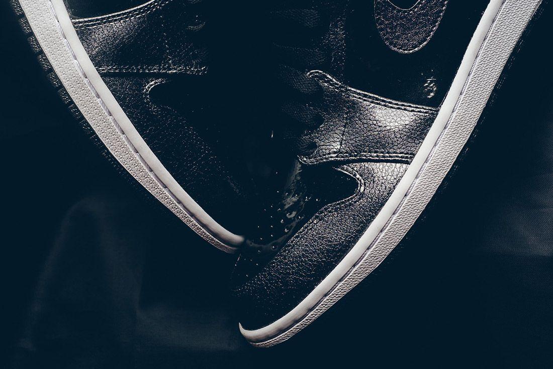 Air Jordan 1 Black Metallic 7