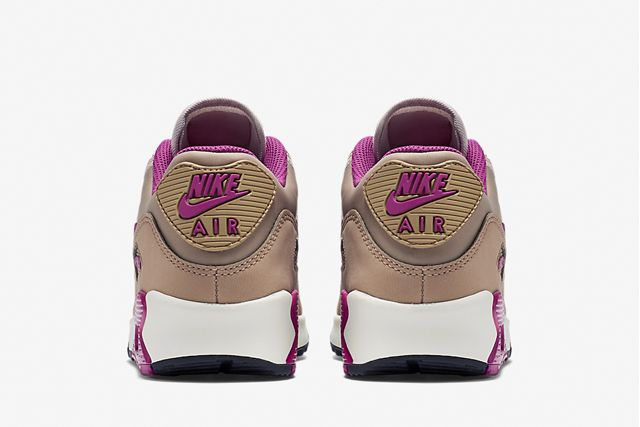Nike Am90 Wmns Lilac 4