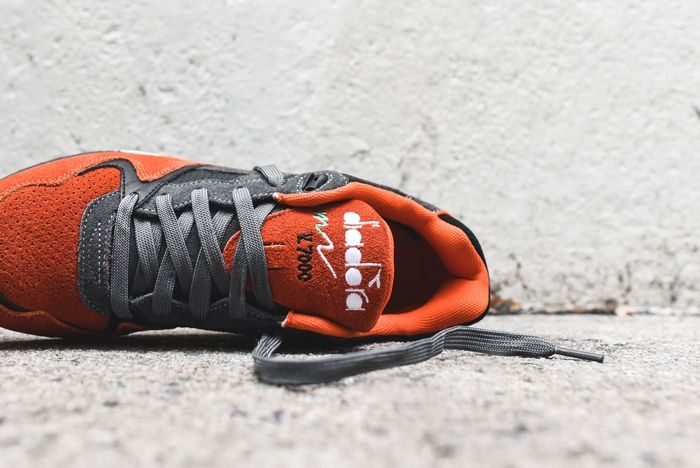 Diadora V7000 Castle Rock Dark Orange 2