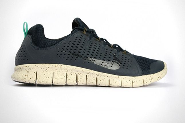 Nike Free Powerlines Ii Profile 1