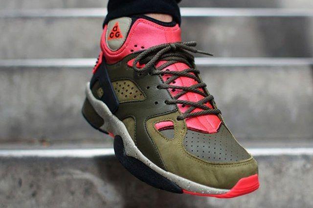 Nike Air Mowabb Militia Green