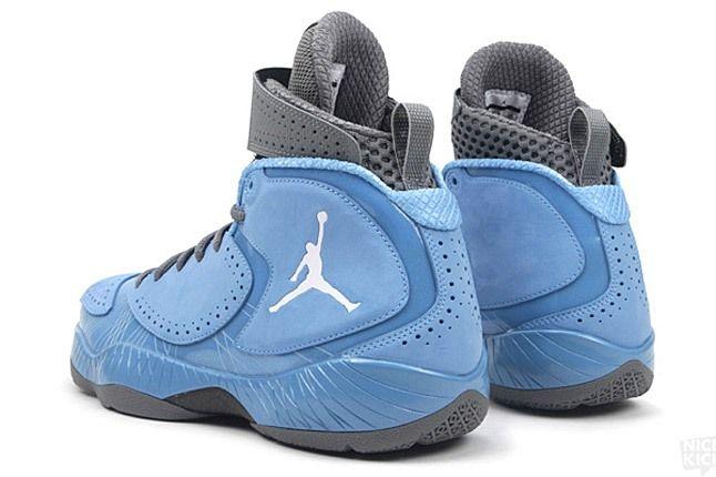 Air Jordan 2012 University Blue 3 1