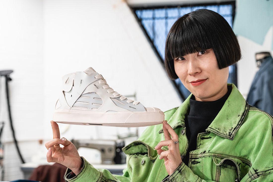 Feng Chen Wang Converse Jack Purcell In Hand