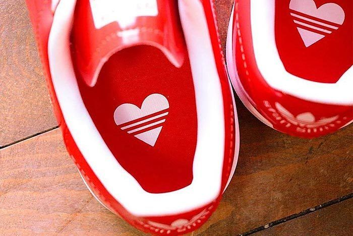 Adidas Womens Vday Stan Smith Womens 1