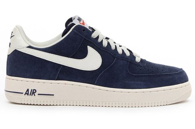 Nike Air Force 1 Low Suede Navy Profile 1
