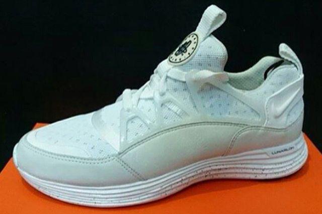 Nike Lunar Huarache Light 01