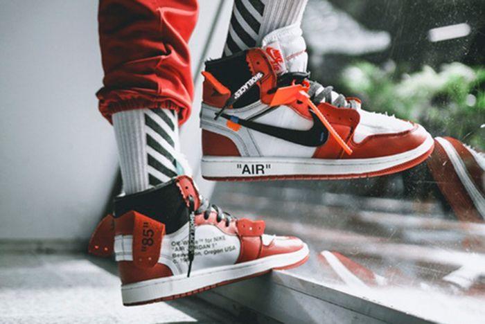 Off White X Air Jordan 1 On Feet8