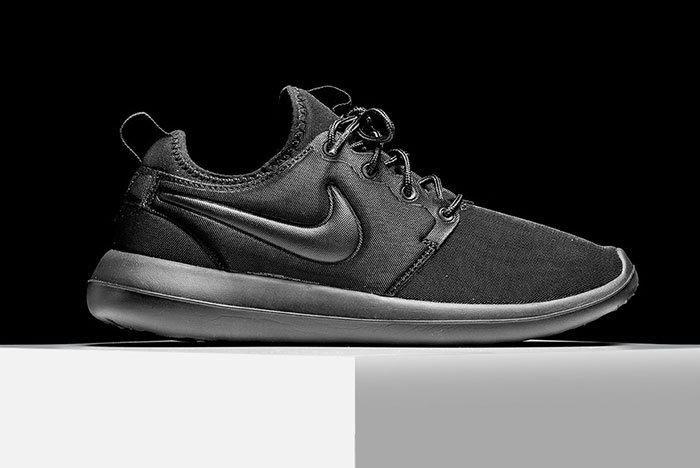 Nike Roshe Triple Black 1