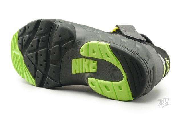 Nike Huarache 94 Outsole Angle 1