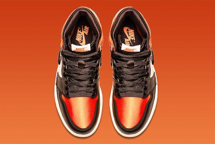 Air Jordan 1 Satin 3
