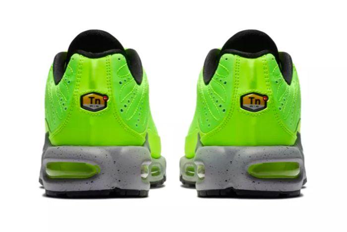 Nike Air Max Plus Premium Volt 3