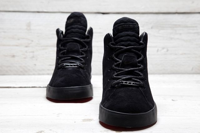 Lebron 12 Nsw Lifestyle Lights Out 03