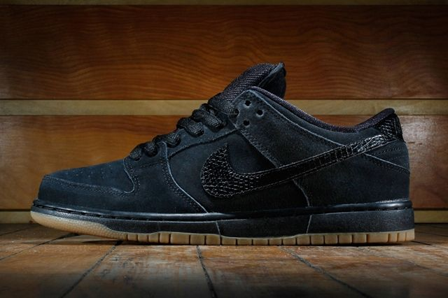 Nike Sb Dunk Low Pro Black Gum Medium Brown 1
