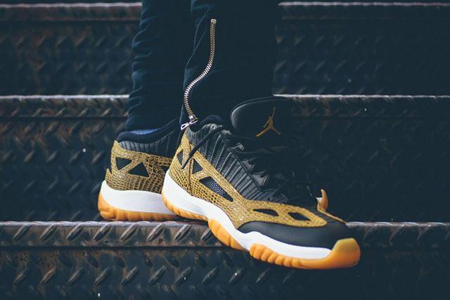Air Jordan 11 Ie Low Snakeskin 3