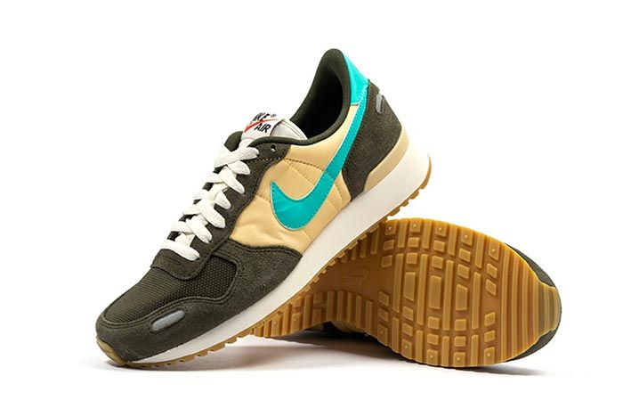 Nike Air Vortex Sequoia Hyper Jade Angle Lateral Side Shot