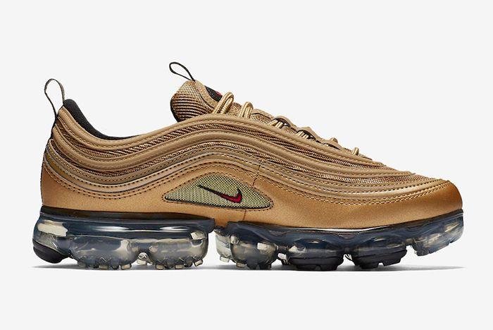 Nike Air Vapormax 97 Metallic Gold 3